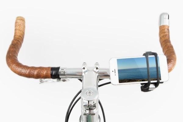 llevar tu celular en la bicicleta